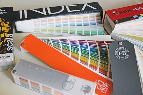 Farbfaecher-Farbtoene-Farbsammlungen-Farbsysteme