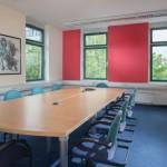Besprechungsraum-Farbkonzept-Farbgestaltung-Konferenzraum
