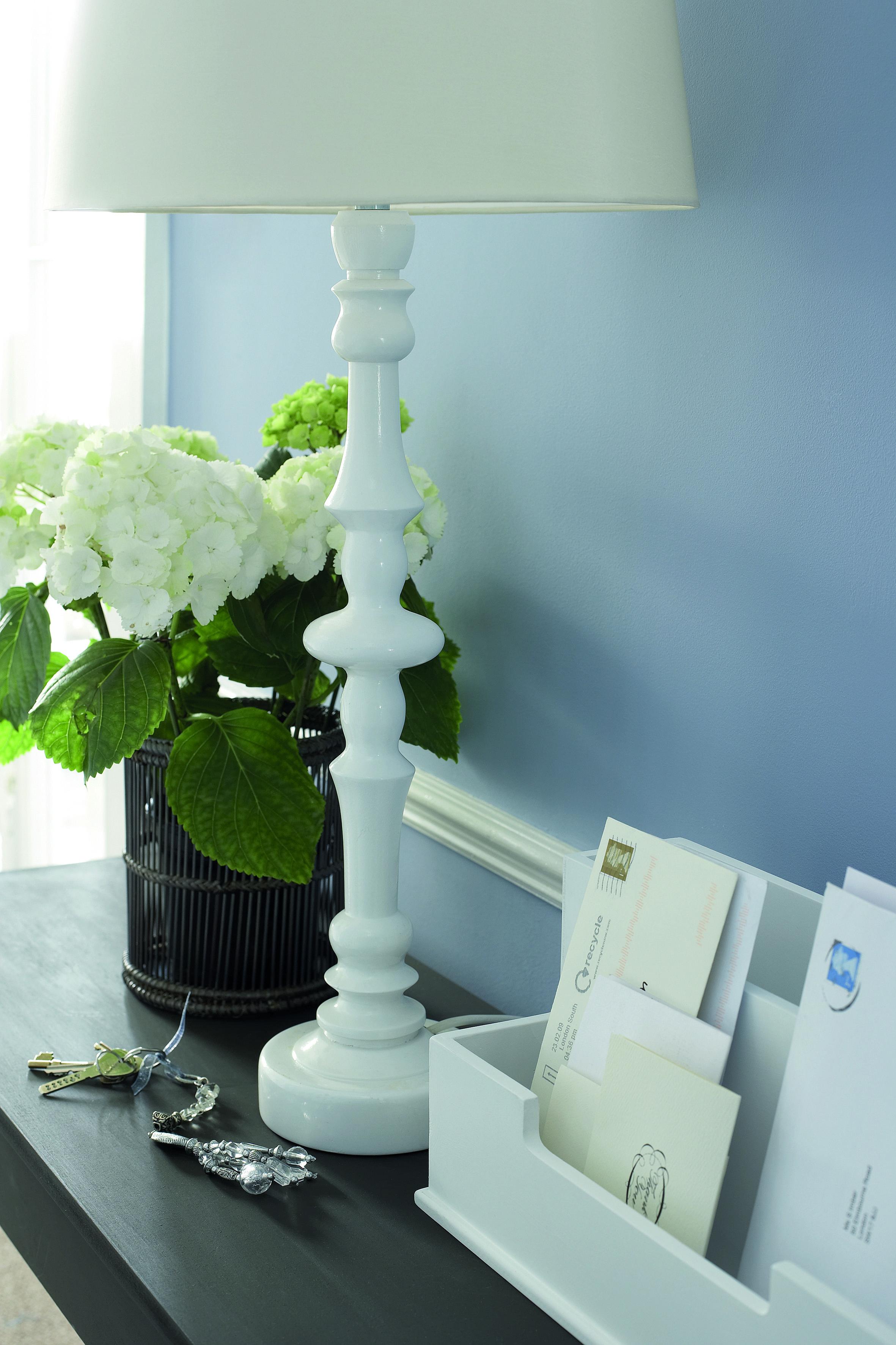 mit farben l ssig oder elegant wohnen. Black Bedroom Furniture Sets. Home Design Ideas