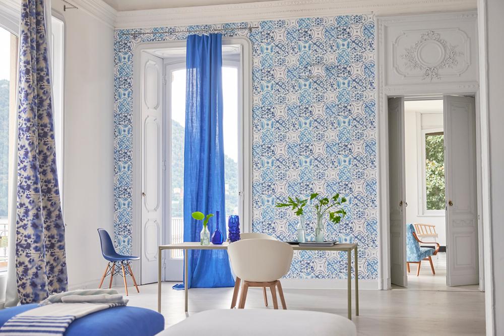 designersguild tapete wandgestaltung blau weiss. Black Bedroom Furniture Sets. Home Design Ideas