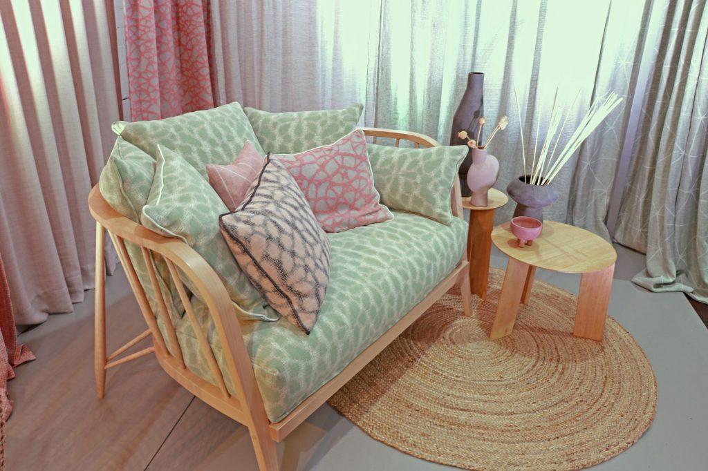Farbe-Sofa-Stoffe-rosa