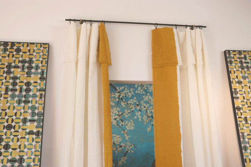 Senfgelb-Himmelblau-Kirschblüten-Tapete-Vorhang